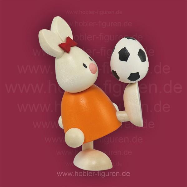 Emma mit Fußball