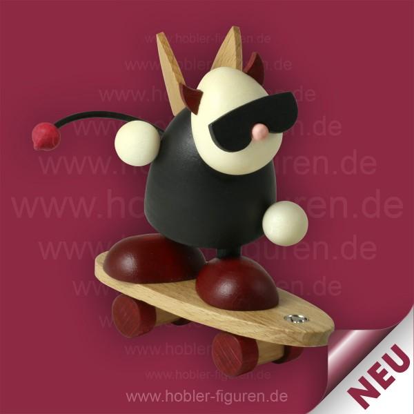 Gustav auf Skateboard